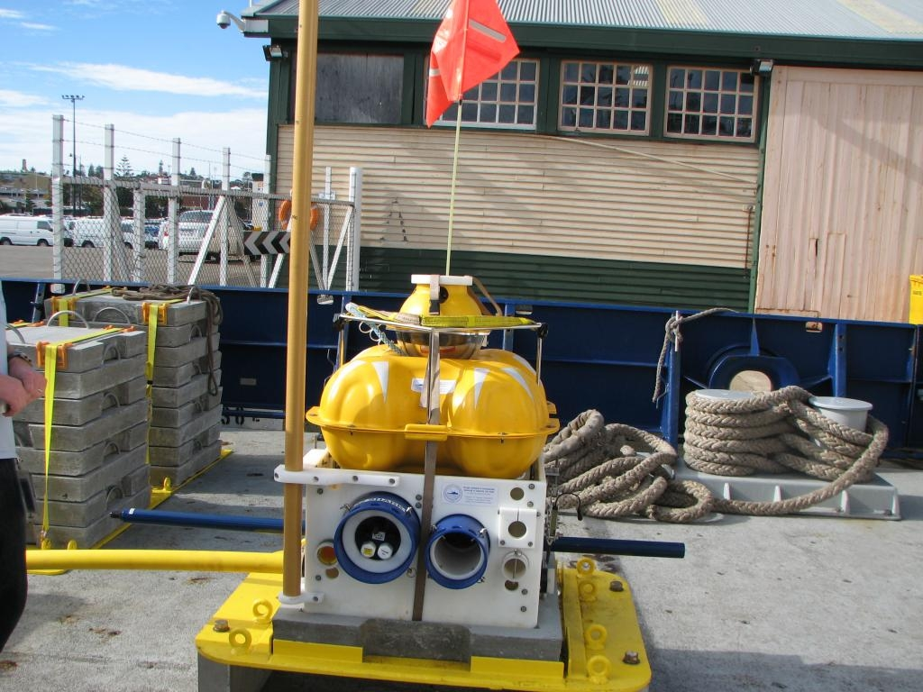 A receiver from the Scripps Institution of Oceanography. The receiver has all components except the vertical magnetic field. This image was obtained aboard the Scripps Institution of Oceanography's ship, R.V. Roger Revelle, 2008.